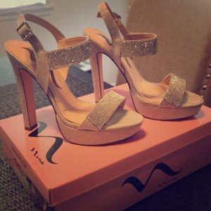 Nina silver glitter and rhinestone shoes size 7
